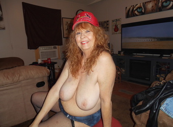 SEXY AT 61 HORNY LOOKING FOR 2 COCKS