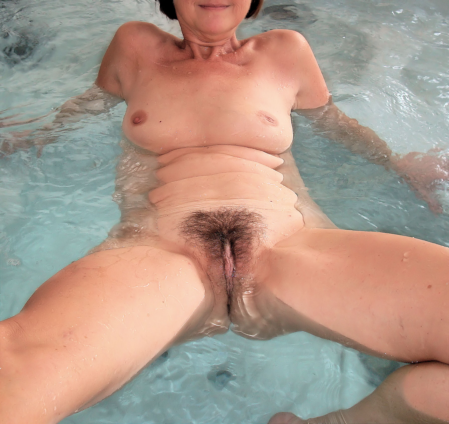 Opinion Naked hot tub wife
