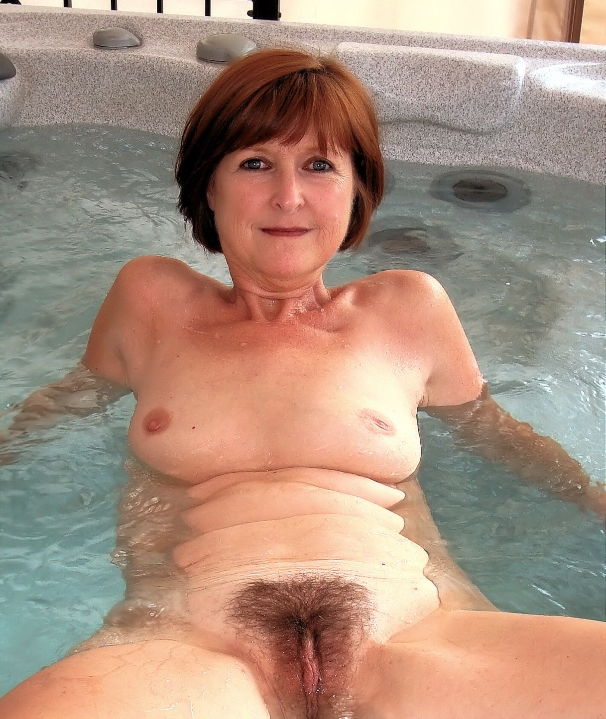 Mature Hot Tub Fuck Video
