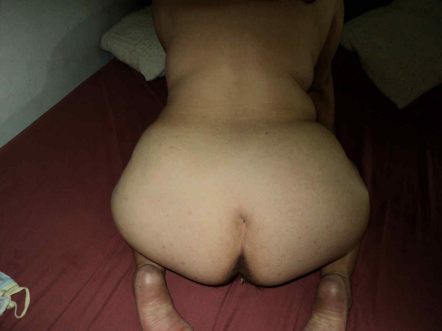 Masturbating Me squirting while
