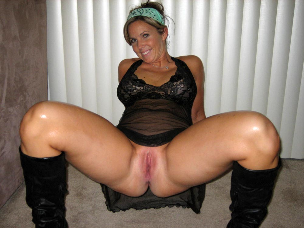 Milf pussy in my face