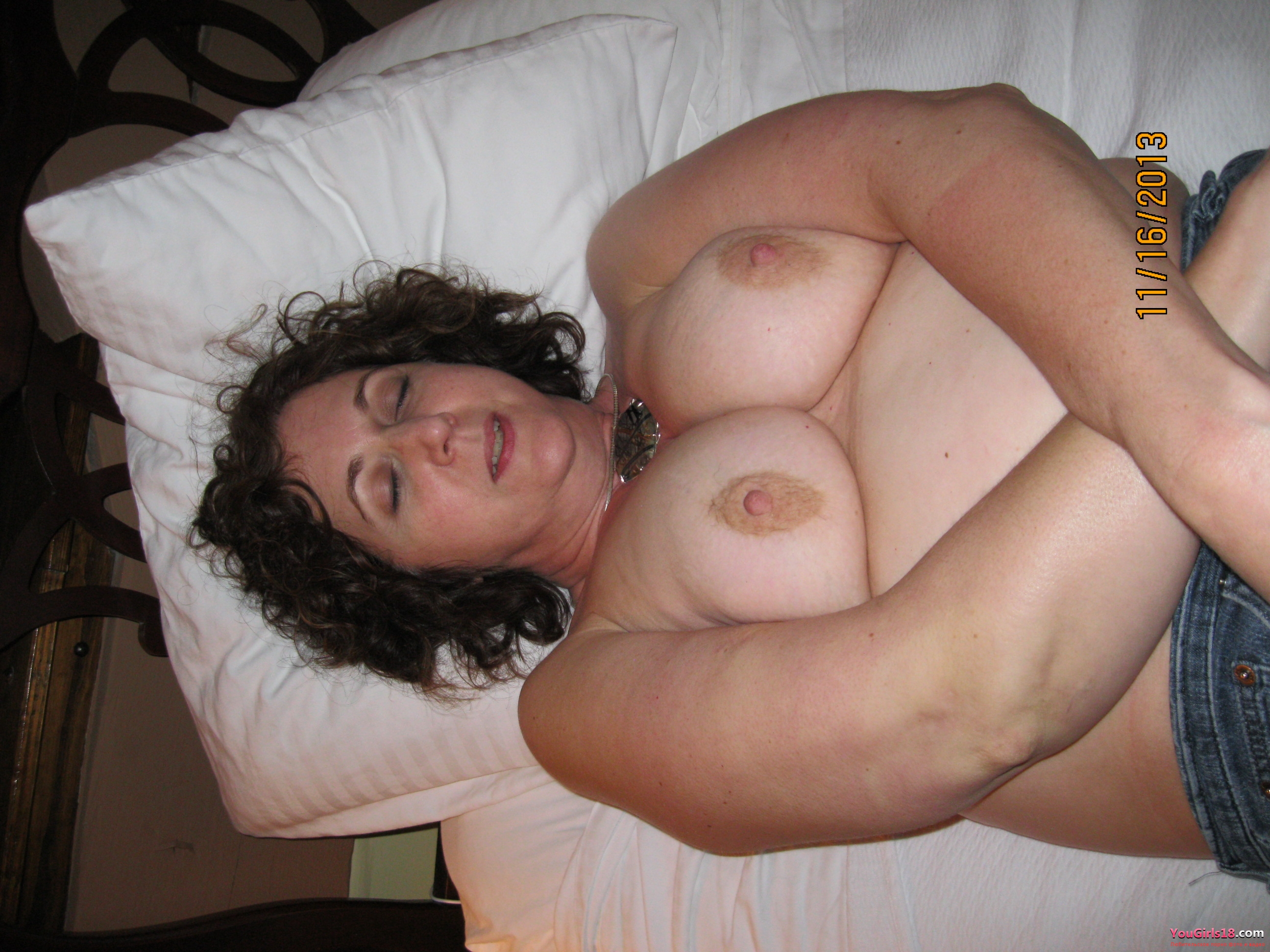 Amateur voyeur wife pics from maine swingers