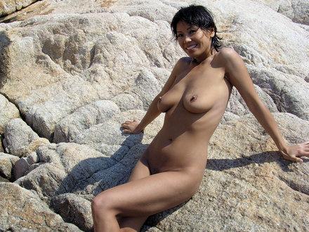 Sunny Chocolat: Stoney Beach