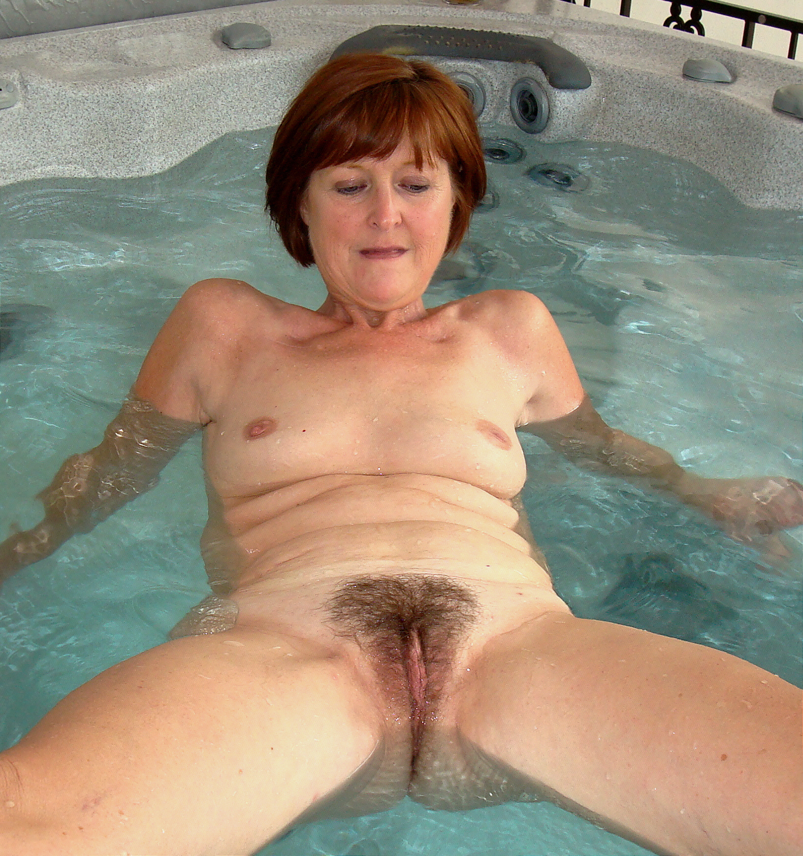 Hot mature wife nude — photo 3