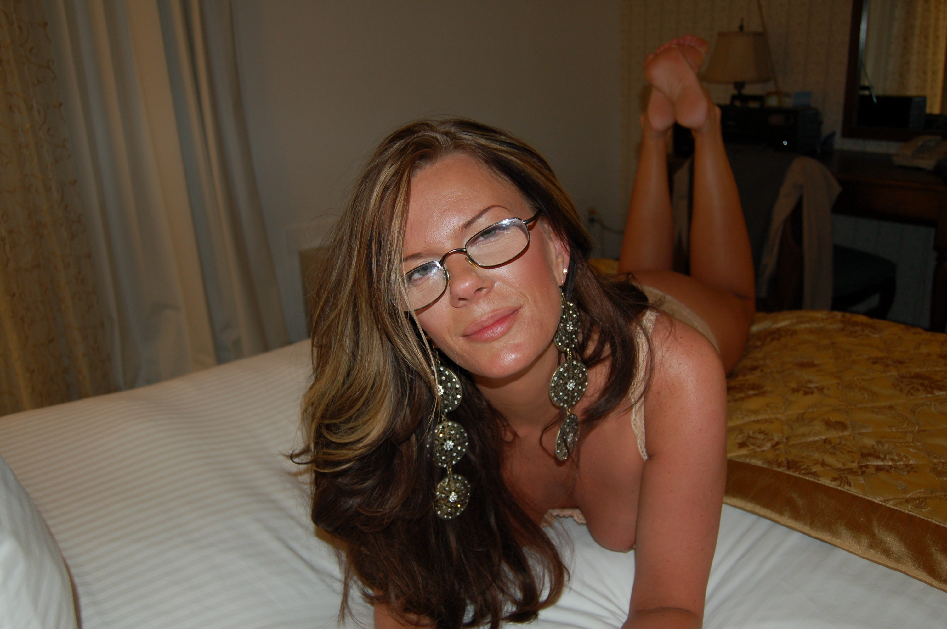 milf-with-glasses