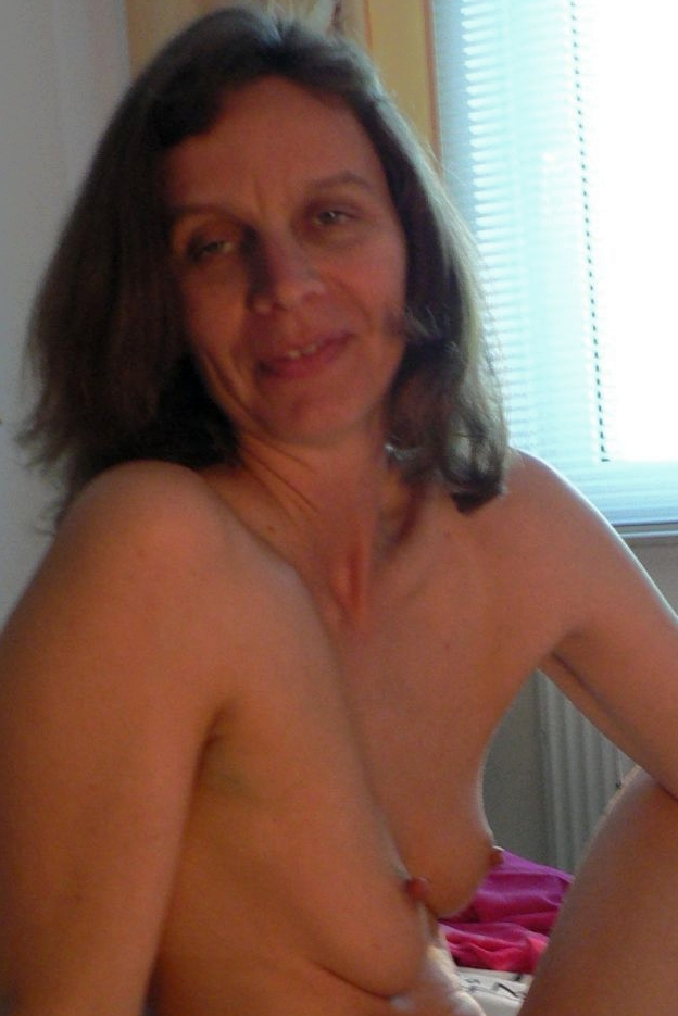 Emily riddell nude
